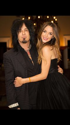 My new fave rock-n-roll couple~ Nikki and Courtney Sixx...