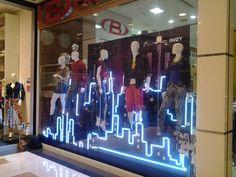 Урбанистическое оформление витрин магазина одежды Biotipo Сан Паулу  Бразилия, Витрины, Дизайн Окна, Дизайн e5d52cb4a1e