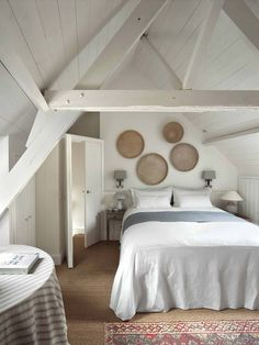 Beautiful Belgian style bedroom decor Inspiration and interior design from Natalie Haegeman. A charming white bedroom with rustic architecture and refined design. Wicker Shelf, Wicker Table, Wicker Sofa, Wicker Furniture, Wicker Dresser, Wicker Trunk, Wicker Mirror, Wicker Planter, Patio Table