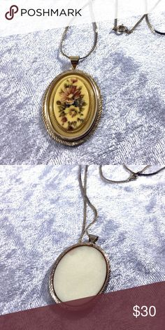 "Victorian Floral Tapestry Pendant Unique vintage ivory colored tapestry styled floral print pendant on 24"" long flat thin chain looks 24k gold but most likely high end vintage costume jewelry. Received this item as part of large vintage estate jewelry collection. Save the most with bundles. I offer 25% off if you bundle 2 or more items. I do not trade, I only do business on Poshmark and I accept reasonable offers. Boutique Jewelry Necklaces"