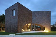 dieter de vos architecten forms triple brick arch house