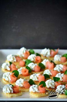 blinis salmón y queso
