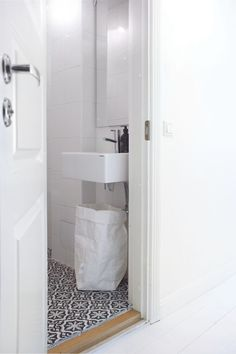 Bathing Beauties, Bubble Bath, Toilet, Relax, Cabinet, Storage, Showers, Bathrooms, Stairs