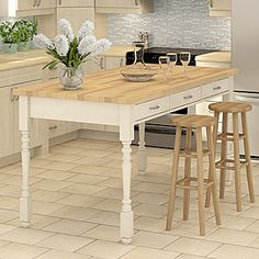 Rona - build a table island in the kitchen Jenny's Kitchen, Island Kitchen, Kitchen Ideas, Furniture Makeover, Diy Furniture, Build A Table, Building A Kitchen, Island Table, U Shaped Kitchen