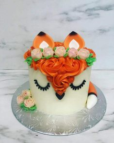 50 Fox Cake Design (Cake Idea) - March 2020 Fox Cake, Cool Cake Designs, Cake Flour, Baking Tips, Baking Soda, March, Birthday Cake, Make It Yourself, Desserts
