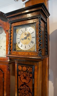Antiques Atlas - John Gavell, London Longcase Clock Cottage Furniture, Rustic Furniture, Furniture Ideas, Old Clocks, Antique Clocks, Antique Grandfather Clock, Farmhouse Clocks, Living Room Clocks, London Clock
