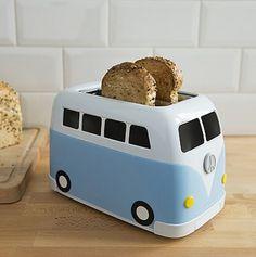 Volkswagen van Creative Toaster - Tostadora en forma de fugoneta Regalos creativos y originales para navidad: http://regalosfabulosos.com/descuentos/ #coolgiftideas #giftsforher #giftsforhim #giftideas #christmasgifts #christmasgiftideas #coolgadgets #retro #vintage