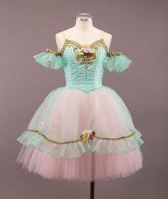 "Waltz of flowers - #ballet #costume #tutu #flowers - ユキワードローブ (@yuki_wardrobe) no Instagram: ""レンタル衣装 【RMN-003】 サイズ バスト:78cm ウエスト:58cm 価格についてはお問い合わせ下さい♪ 写真:金子燎之介 @ryounosuke.almost.iphone"""