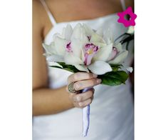 Simple, elegant bridal bouquet