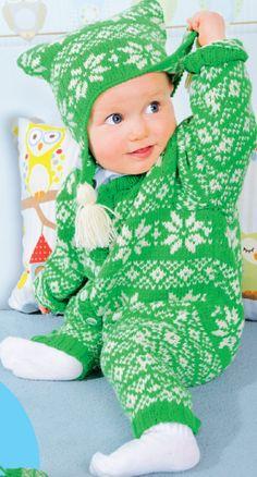Детский комплект: комбинезон, шапочка, варежки зелёного цвета с жаккардовым узором, вязаный спицами.