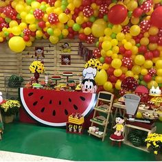 Bom dia com Festa Magali. Por @tayannet @sofisticattoeventos @kk.cristine @lokfestballoons @isabelmignotbolos @elieneide #encontrandoideias #blogencontrandoideias #festamagali Strawberry Shortcake Party, Watermelon Birthday, Fruit Party, Balloon Decorations, Balloon Ideas, Summer Fruit, Unicorn Birthday, Holidays And Events, Dessert Table