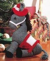 Patrón gratis de este encantador burrito amigurumi. Descargar patrón de burrito amigurumi Poney Crochet, Knit Or Crochet, Crochet For Kids, Crochet Toys, Crochet Baby, Free Crochet, Crochet Animals, Christmas Stockings, Diy And Crafts