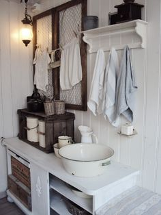 I think my sister would love this! Turn enamel bowl into a sink by drilling a drain hole, add faucet behind it. Could customize shelf depth to fit my narrow bathroom. Would replace chicken wire with mirror