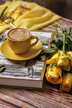 Find images and videos about flowers, yellow and coffee on We Heart It - the app to get lost in what you love. Coffee And Books, I Love Coffee, My Coffee, Coffee Heart, Café Latte, Latte Art, Good Morning Coffee, Coffee Break, Coffee Photography
