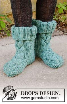 Knit Slippers Free Pattern, Knit Cardigan Pattern, Crochet Socks, Knitted Slippers, Knitting Patterns Free, Free Knitting, Knitting Socks, Crochet Patterns, Drops Design