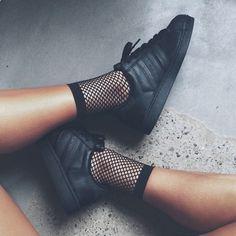 Sneakers women - Adidas Superstar black and fishnet socks (©livrah)