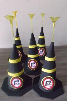 https://criartartesanatoemeva.blogspot.com.br/2017/03/cones-em-eva-diversos.html decoração