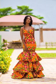 African style/African prom dress/kente dress/African women dress/African wedding dress Made with high quality fabric African Prom Dresses, African Wedding Dress, African Dresses For Women, African Attire, African Formal Dress, African Fashion Ankara, Latest African Fashion Dresses, African Print Fashion, African Style