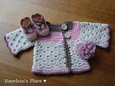Mini Moogly Sweater by  Tamara Kelly free pattern on Ravelry at http://www.ravelry.com/patterns/library/mini-moogly-sweater