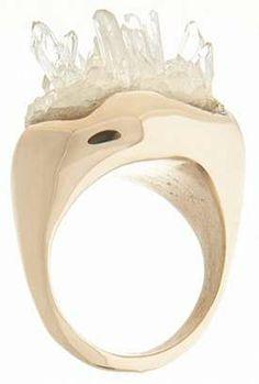 raw quartz ring by cosa fine jewelry - crystals and peach gold. Druzy Jewelry, Gems Jewelry, Stone Jewelry, Jewelry Art, Jewelry Accessories, Jewelry Design, Unique Jewelry, Jewellery, Wooden Jewelry