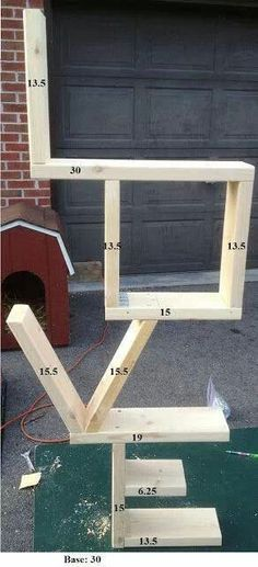 Cool woodworking idea, I don't know where I would put it in the house -- but it doesn't look too hard to make. #coolwoodworkingideas