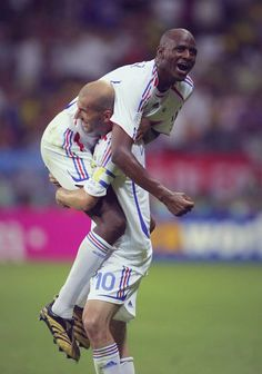 Zinedine Zidane (France, 108 caps, 31 goals) and Patrick Vieira (France, 107 caps, 6 goals). Arsenal Fc, World Football, Football Soccer, Patrick Vieira, Zinedine Zidane, Best Player, Fifa, World Cup, Exercise