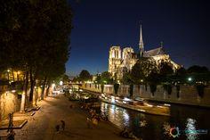 Notre Dame in notturna