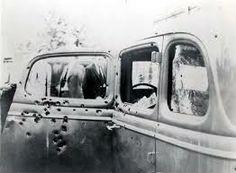 Bilen Bonnie og Clyde blev skudt i.