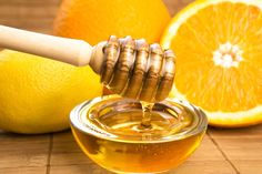 Manuka Honey and Lemon: The Superfood Duo with 5 Unique Superpowers Honey Lemon, Raw Honey, Natural Home Remedies, Herbal Remedies, Pure Honey Benefits, Vinaigrette, Remedies For Dark Lips, Diy Natural Beauty Recipes, Natural Foods