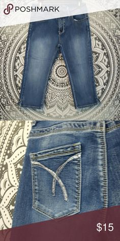 Cropped jeans! Cropped jeans, in great condition. Will bundle  (: lolajeans Jeans Ankle & Cropped