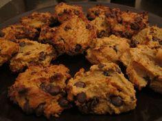 Chickpea Peanut Butter & Dark Choc Chip Cookies - cleaninthekitchen.wordpress.com for recipe || gluten free cookies! #cleaneating #glutenfree