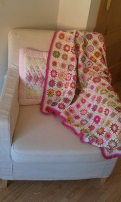 Country Maison Blog : Stash Busting: Finished Blanket !