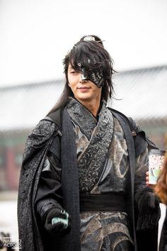 Lee Joon Gi, scarlet heart ryeo , wang so Korean Star, Korean Men, Korean Actors, Busan, Lee Jong Ki, Scarlet Heart Ryeo Wallpaper, Dramas, Jin, Arang And The Magistrate