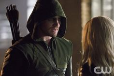 """Arrow -- """"Crucible"""" -- Image AR204a_6310b -- Pictured (L-R): Stephen Amell as The Arrow and Caity Lotz as Canary -- Photo: Jack Rowand/The CW -- © 2013 The CW Network, LLC. All Rights Reserved"""