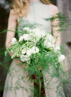 Wispy fern bouquet via Wedding Sparrow (http://weddingsparrow.com)