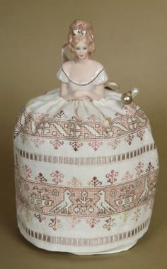 The concept and design are the work of Giulia - Pin cushion dolls