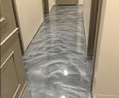 Lava Flow« Decorative Metallic Epoxy Concrete Floor Coating for Retail Floors