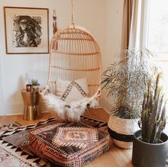 to @becrowbe for including us in the serene space and photo! #myhomevibe #modernvintage #modernbohemian #bohochic #bohohome #shabbychicdecor #livingroom #bohodecor #interior123 #interioridea