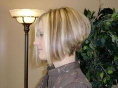 Stacked Hairstyles, Bob Hairstyles, Bob Haircuts, Hairdos For Short Hair, Short Hair Styles, Stacked Angled Bob, Stacked Bobs, Girls Haircuts Medium, Hair Color Highlights
