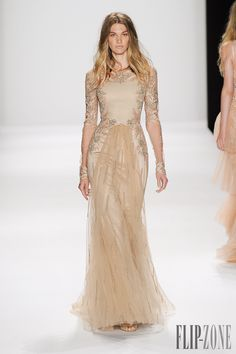 Badgley Mischka Spring-summer 2015 - Ready-to-Wear Stunning Dresses, Pretty Dresses, Costura Fashion, Vestidos Fashion, Haute Couture Dresses, Glamour, Indian Gowns, Fantasy Dress, Beige Dresses