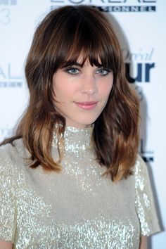 Alexa Chung rocks her signature cool-girl haircut // bangs & a lob