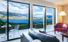 Villa del Lago, New Zealand New Zealand Hotels, Lakeside Hotel, Beste Hotels, Mountain Hiking, Cheap Hotels, Cheap Flights, Hotel Deals, Plan Your Wedding, Villa