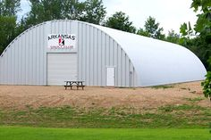 Choosing a metal Quonset hut can be a good investment. It is vital to find out the details first before buying a metal Quonset hut. Prefab Metal Buildings, Shop Buildings, Steel Buildings, Metal Building Home Kits, Round Building, Building A House, Hut House, Tiny House, Barn With Living Quarters