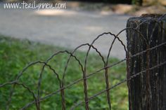 GARDEN YARD WIRE FENCING HAIRPIN 1920S COTTAGE STYLE WIRE FENCE | my ...