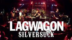 LAGWAGON es un grupo musical de punk rock estadounidense fundado en 1990 en Goleta, Santa Bárbara, California. Los Miembros actuales del grupo son: Joey Cape (voz), Chris Flippin (guitarra), Chris Rest (guitarra), Joe Raposo (bajo) y Dave Raun (Batería). ---------------------------------------- Junto a ellos tocaron Silversuck, una banda local de punk-rock y hardcore de Barcelona en activo desde 1999.