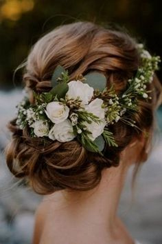 Rustic Vintage Updo Wedding Hairstyle For Long Hair with Flowers and Greenery in. Rustic Vintage Updo Wedding Hairstyle For Long Hair with Flowers and Greenery in medium length for Round Faces Spring DIY Country Wedding Headpiece Ideas Wedding Hair Flowers, Wedding Hair And Makeup, Wedding Updo, Bridal Flowers, Flowers In Hair, Bridesmaid Hair Flowers, Flower Headpiece Wedding, Bridal Makeup, Country Wedding Flowers