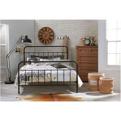 Queen Size Jessica Metal Bed Frame in Black | Buy Queen Bed Frame