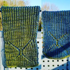 Cold outside - time for a cosy scarf 💚💙⛄❄☃ #sosuknits #teststrick #testknitting #newdesign #malabrigorios #ms4l  #coldoutside