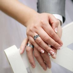 Mens Platinum Wedding Band - The action of solemnizing a marriage is often done by exchanging rings or wedding bands. Engagement Rings For Men, Wedding Rings For Women, Wedding Men, Wedding Bands, Diamond District, Bling Wedding, Ring Verlobung, Traditional Tattoo, Topaz