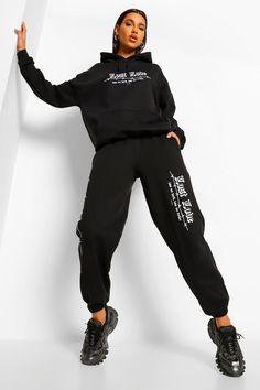 Trousers Women, Pants For Women, Clothes For Women, Black Joggers Outfit, Jogging Bottoms, Lost Love, Joggers Womens, Fashion Face Mask, Outfit Goals